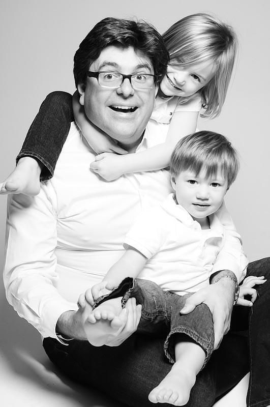 Familienfoto - Vater mit Kindern